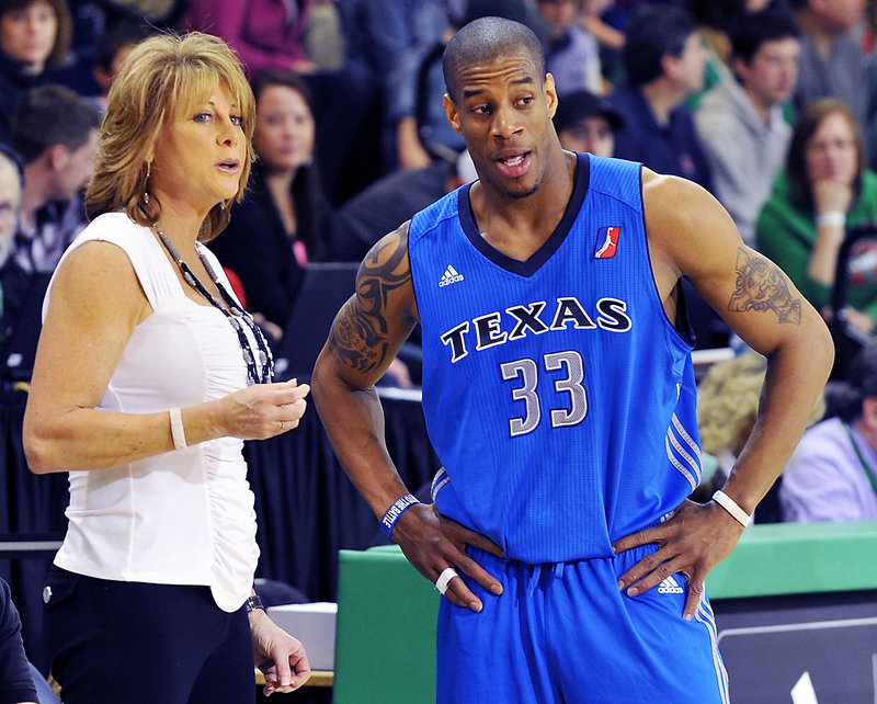 Texas Coach Nancy Lieberman makes a point to Antonio Daniels on the sideline. The Legends are battling for the final playoff spot.