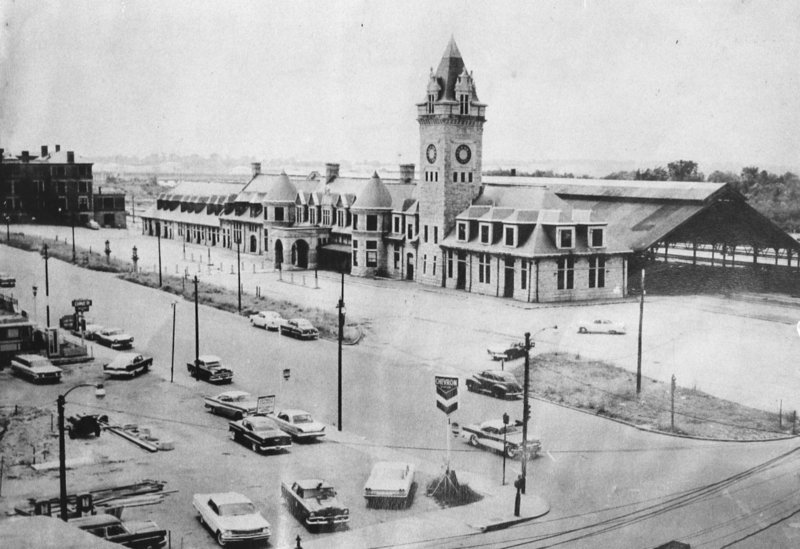 Before: Union Station in Portland, circa 1950s.