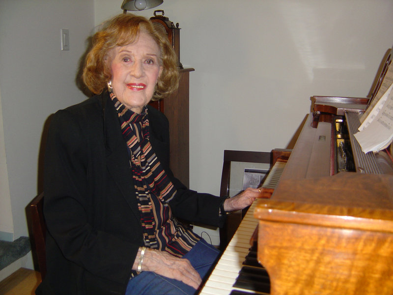 """Marian McPartland at home in Port Washington, N.Y., during filming in 2007 of """"In Good Time: The Piano Jazz of Marian McPartland,"""" which will be shown at 7 p.m. Thursday at Hannaford Hall on the USM campus in Portland."""