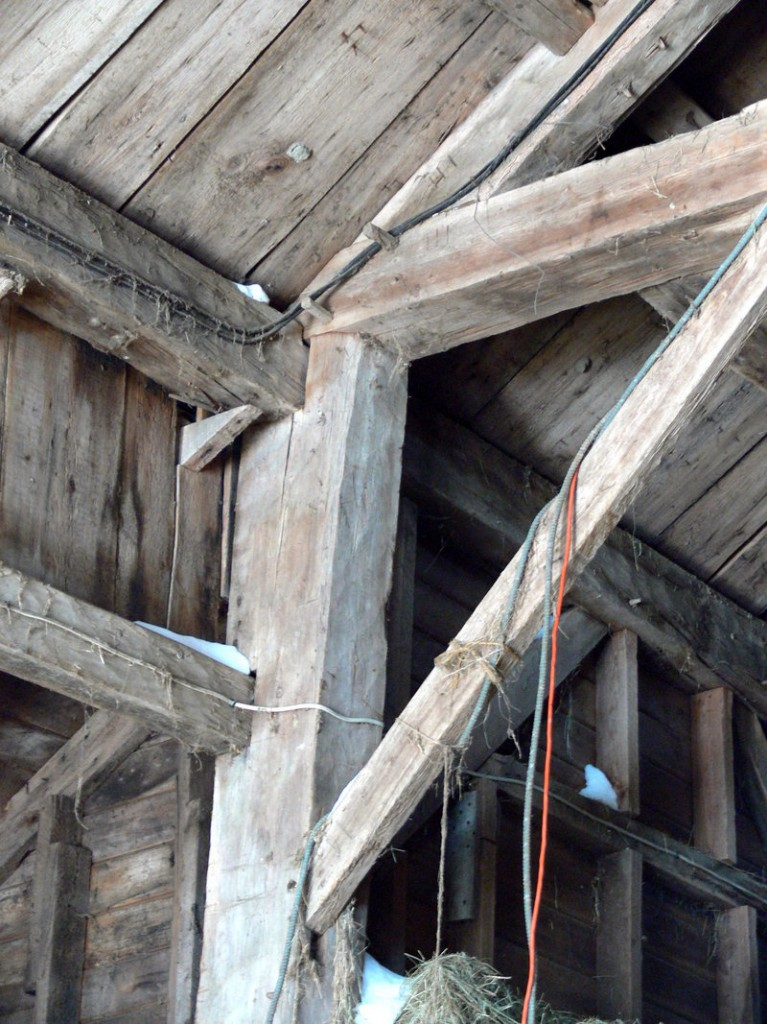"""Early settlers brought the """"English tying joint"""" to New England, as seen in this circa-1800 Windham barn."""