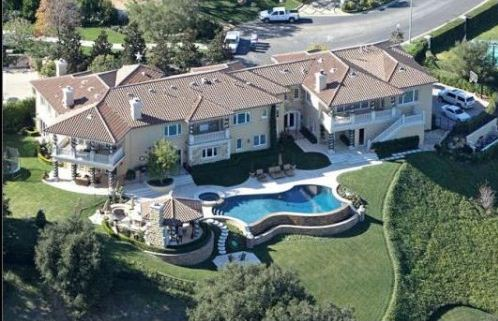 Pop star Britney Spears, recently engaged to Jason Trawick, may be looking for a new home to replace this mansion that she currently rents.