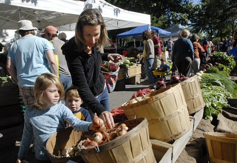 City councilors Monday authorized dairy farmers to sell unpasteurized milk at Deering Oaks, above, and Portland's other farmers markets without having to explain the risks of consuming raw milk. Councilors also authorized farmers market sales of malt liquor, hard cider and wine produced by Maine farms.