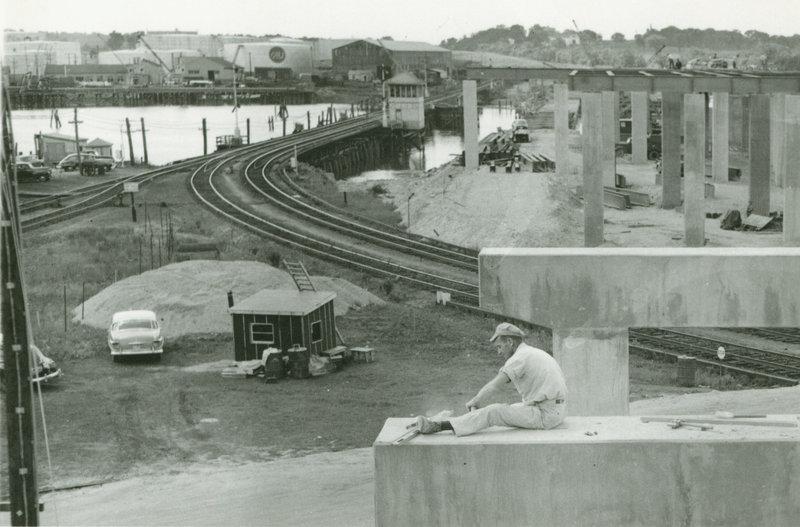 Construction of Veterans Bridge in Portland, circa 1953.