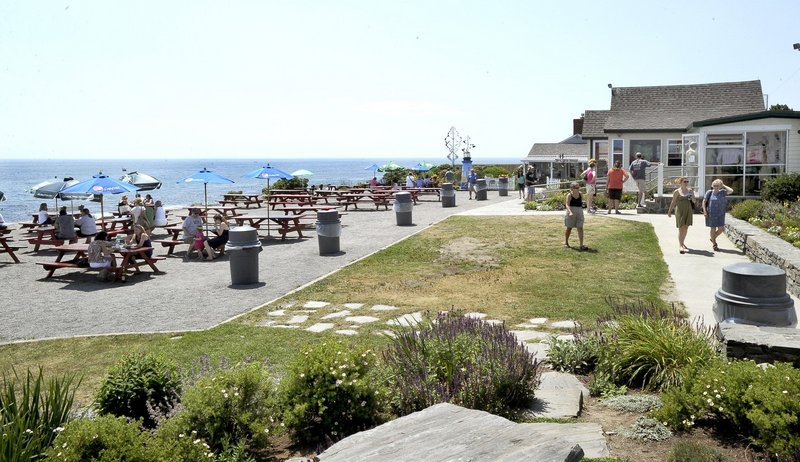 Best Outdoor Dining, Best Lobster Roll: The Lobster Shack at Two Lights