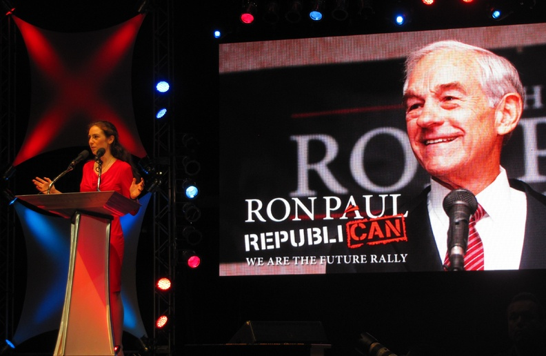 Ashley Ryan of Maine speaks to Ron Paul supporters at the