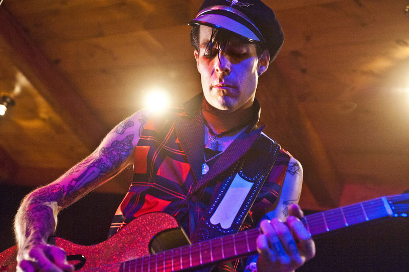 Nick Curran performs at The Venue on Forest Avenue in Portland on July 4, 2010. Curran died Saturday after a three-year battle with oral cancer.