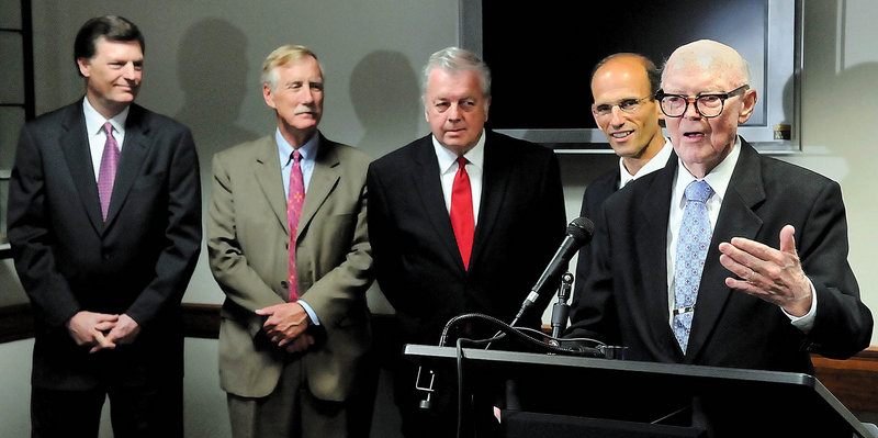 Former Gov. John Reed, right, speaks at a 2008 fundraiser for Friends of The Blaine House. He is accompanied, from left, by former governors John McKernan, Angus King and Joseph Brennan and then-Gov. John Baldacci.