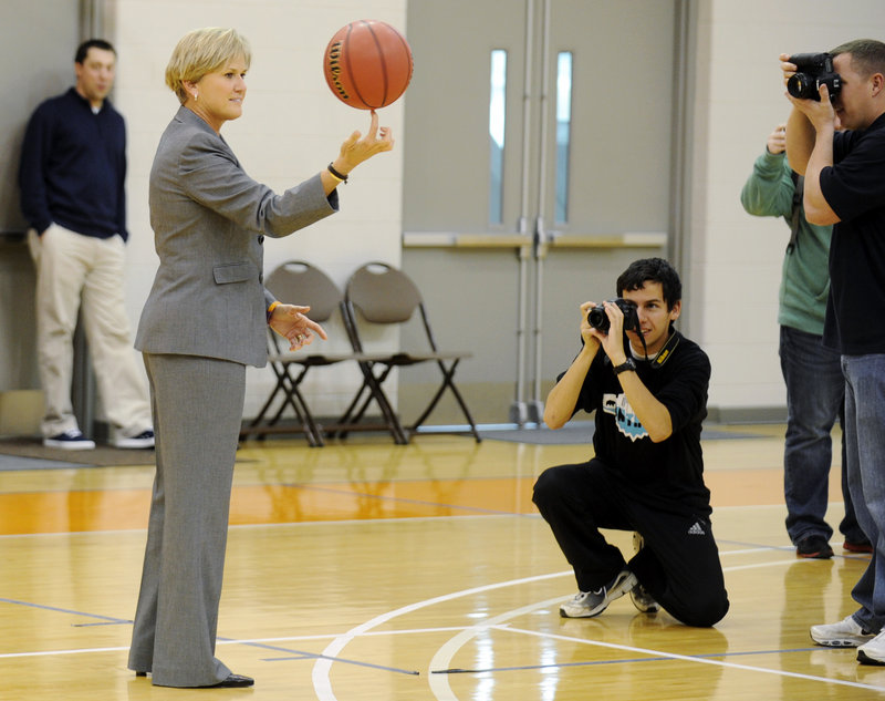 Holly Warlick, the first Tennessee female athlete to have her number retired, is uniquely suited to take over the coaching reins at her alma mater.