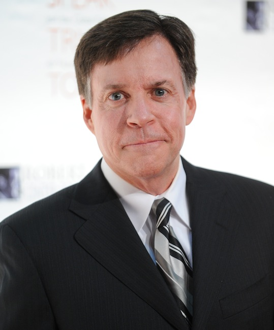 """This Nov. 17, 2010 file photo shows sports commentator Bob Costas at the Robert F. Kennedy Center for Justice and Human Rights 2010 Ripple of Hope Awards Dinner at Pier Sixty in New York. Costas' """"Sunday Night Football"""" halftime commentary supporting gun control sparked a Fox News Channel debate Monday, Dec. 3, 2012, on whether NBC should fire him. The NBC sportscaster, who frequently delivers commentary at halftime of the weekly NFL showcase, addressed the weekend's murder-suicide involving Kansas City Chiefs linebacker Jovan Belcher. (AP Photo/Evan Agostini, file) Headshot"""