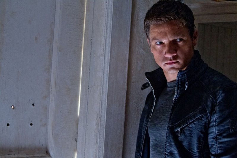 """Jeremy Renner reboots the Bourne franchise with """"The Bourne Legacy."""""""
