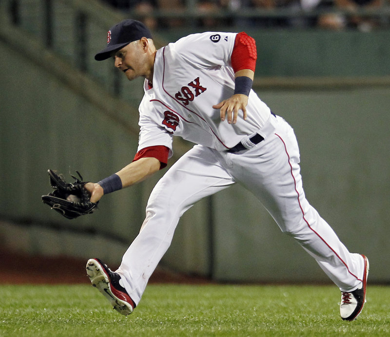 Former Red Sox outfielder Cody Ross has agreed to a three-year contract with the Arizona Diamondbacks.