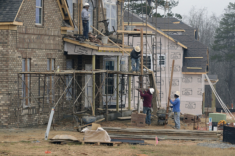 Construction crews build new homes in Waxhaw, N.C. Economists are broadly in agreement that housing is no longer weighing against economic growth and will be a positive contributor in 2013. 04000000 04004003 04004005 2013 FIN krt2013 krtbusiness business krtconstruction construction property krtedonly krtnamer north america krtnational national krtrealestate real estate krtusbusiness krwbureau land price mct REA u.s. us united states