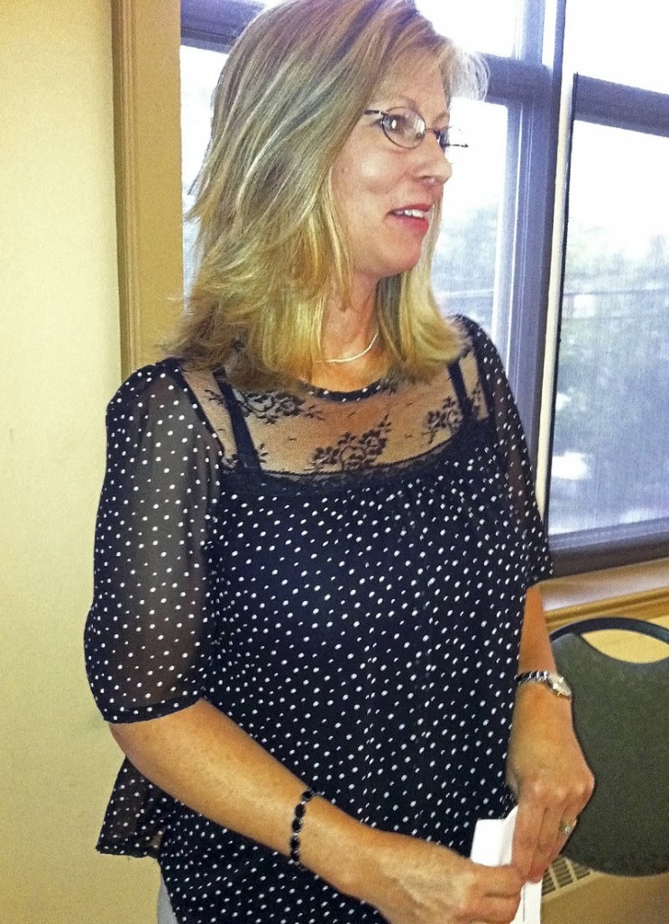 Kim Nichols of Maine will testify Wednesday in Washington about her father's experience with scammers.