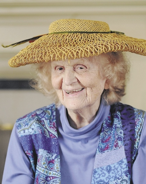 Philanthropist Elsie Pike Viles, who gave her heart and her money to support central Maine causes, died Saturday at age 98.