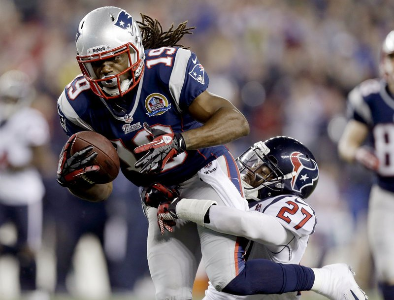 Donte Stallworth, a two-time Patriot, sustained serious burns Saturday when the hot air balloon carrying him and two others crashed into power lines in Florida.