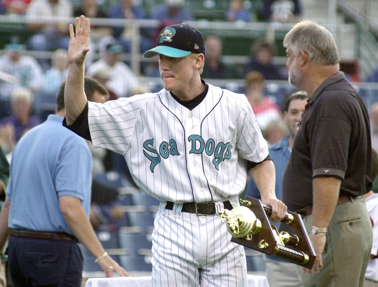 Staff Photo by John Ewing, Wed, Aug 29, 2001: Sea Dog second baseman Kevin Hooper waves his appreciation to the fans after being awarded the team's MVP trophy prior to Wednesday night's final home game of the season. John Ewing