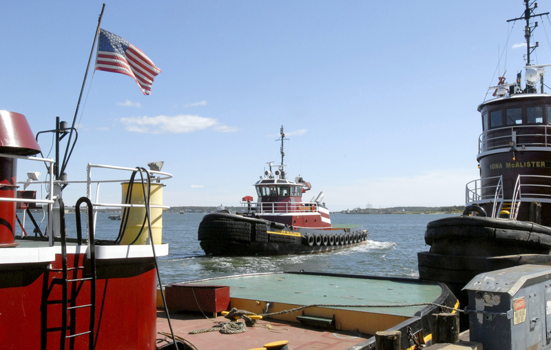 The Andrew McAllister is part of the fleet of Portland Tugboat. Its owner, McAllister Towing and Transportation, has won a contract to design an articulated tug-barge hybrid.