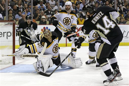 Pittsburgh Penguins' Chris Kunitz (14) can't get a shot past Boston Bruins goalie Tuukka Rask (40) in the second period of Game 1 of the Stanley Cup Eastern Conference finals in Pittsburgh Saturday.