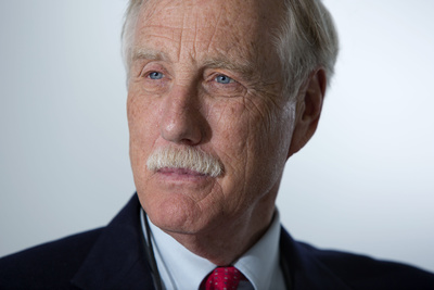 Sen. Angus King, I-Maine, has joined two other senators to craft a bipartisan compromise to save students interest on school loans.