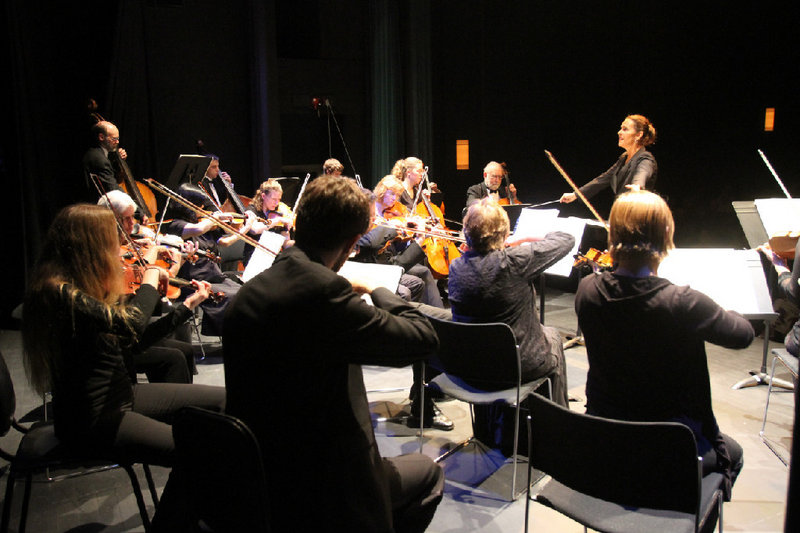 Maine Pro Musica, directed by Janna Hymes, will perform at the Opera House at Boothbay Harbor on Wednesday.