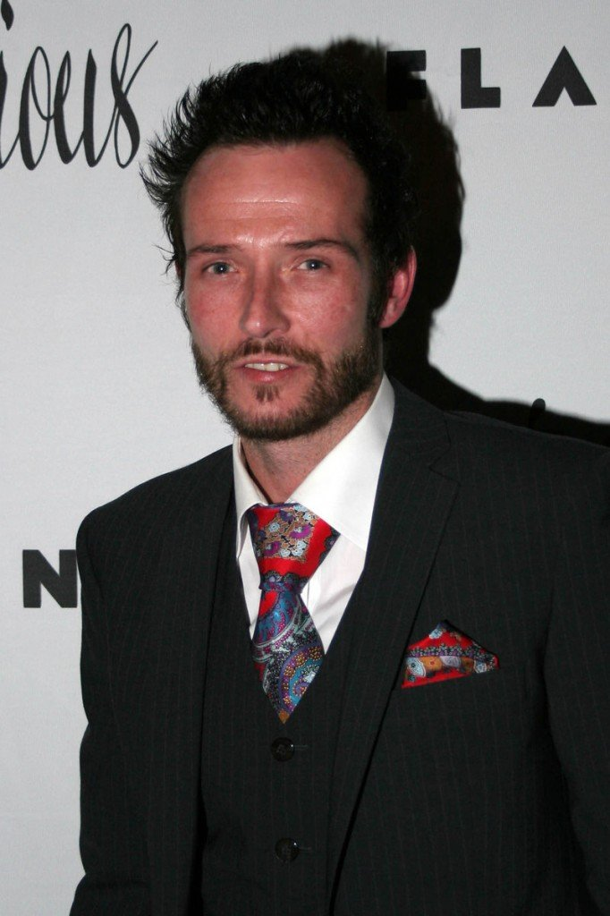 Scott Weiland in 2006, during an earlier departure from Stone Temple Pilots. Weiland reunited with the band, but was fired earlier this year.