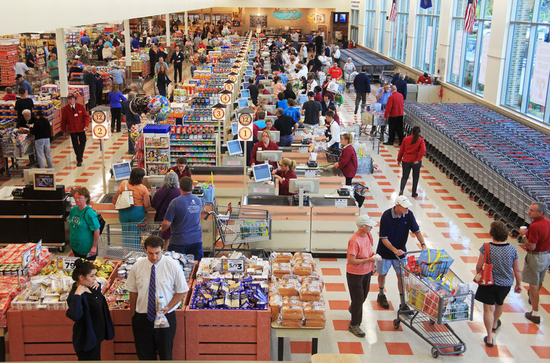 Market Basket opens its first Maine store, at Biddeford Crossing on Route 111 in Biddeford, on Sunday morning.