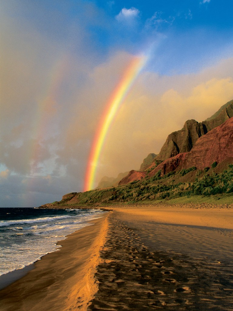 At one end of the 11-mile trail is Kalalau Beach.