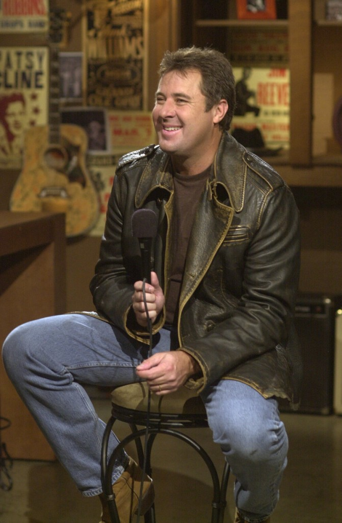 Vince Gill met briefly with protesters who were angered by his divorce and remarriage to Amy Grant.