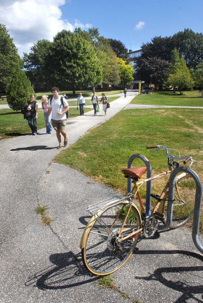 Students walk to class at the University of Southern Maine in Portland. Emphasizing USM's ties to Portland could both bolster USM's enrollment and attract students who'd wind up staying on and boosting the number of young people in the state, a reader says.