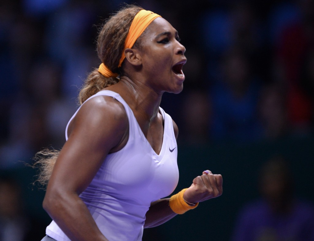 Serena Williams of the U.S shouts after she returned a shot to Li Na of China during their final tennis match at the WTA Championship in Istanbul, Turkey, on Sunday.