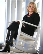 """Best-selling author Anita Shreve will talk about her new book, """"Stella Bain,"""" at Longfellow Books in Portland on Saturday."""