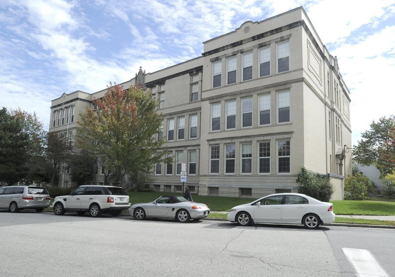 The Portland Planning Board voted 5-0 Tuesday night to approve plans to redevelop the former Nathan Clifford Elementary School into market-rate housing.