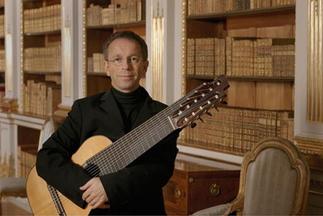 Swedish classical guitarist Goran Sollscher performs at Bates College in Lewiston on Dec. 8.