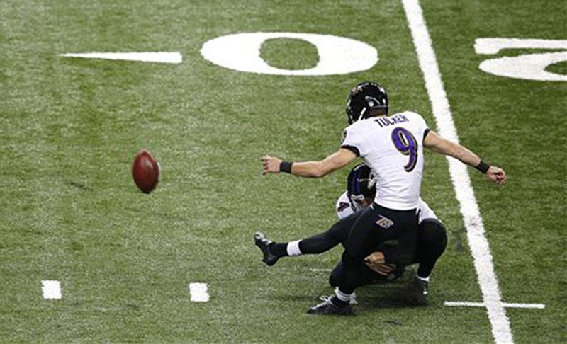 Baltimore Ravens kicker Justin Tucker (9) kicks a 29-yard field goal against the Detroit Lions in Detroit on Dec. 16.