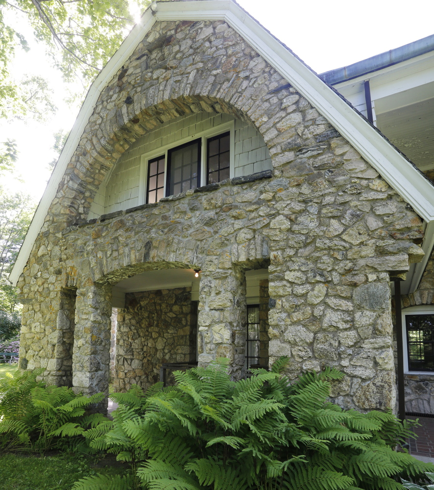 Usm to sell stone house in freeport to cut costs the for Cost of stone for house