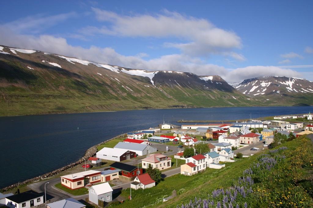 Suðureyri, Iceland. Wikipedia photo