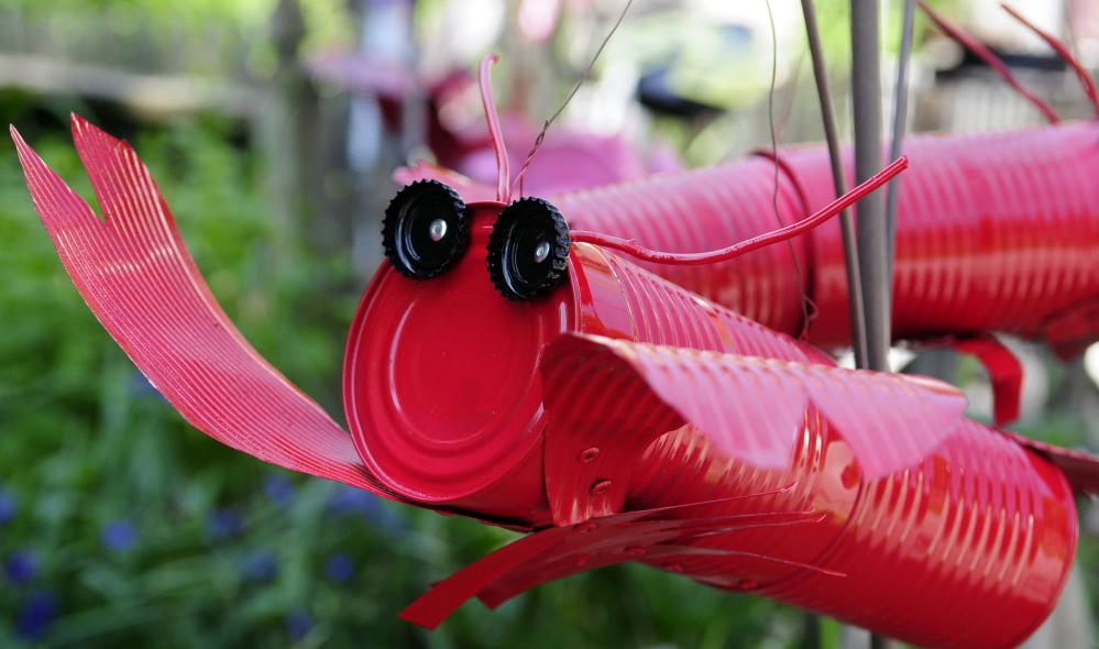 463531_95440-20140629-lobsterlad5