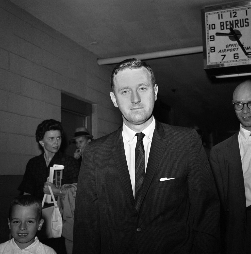 John Seigenthaler, the Kennedy administration's negotiator with the governor of Alabama during the 1961 Freedom Rides, walks through the Montgomery, Ala., airport in 1961.