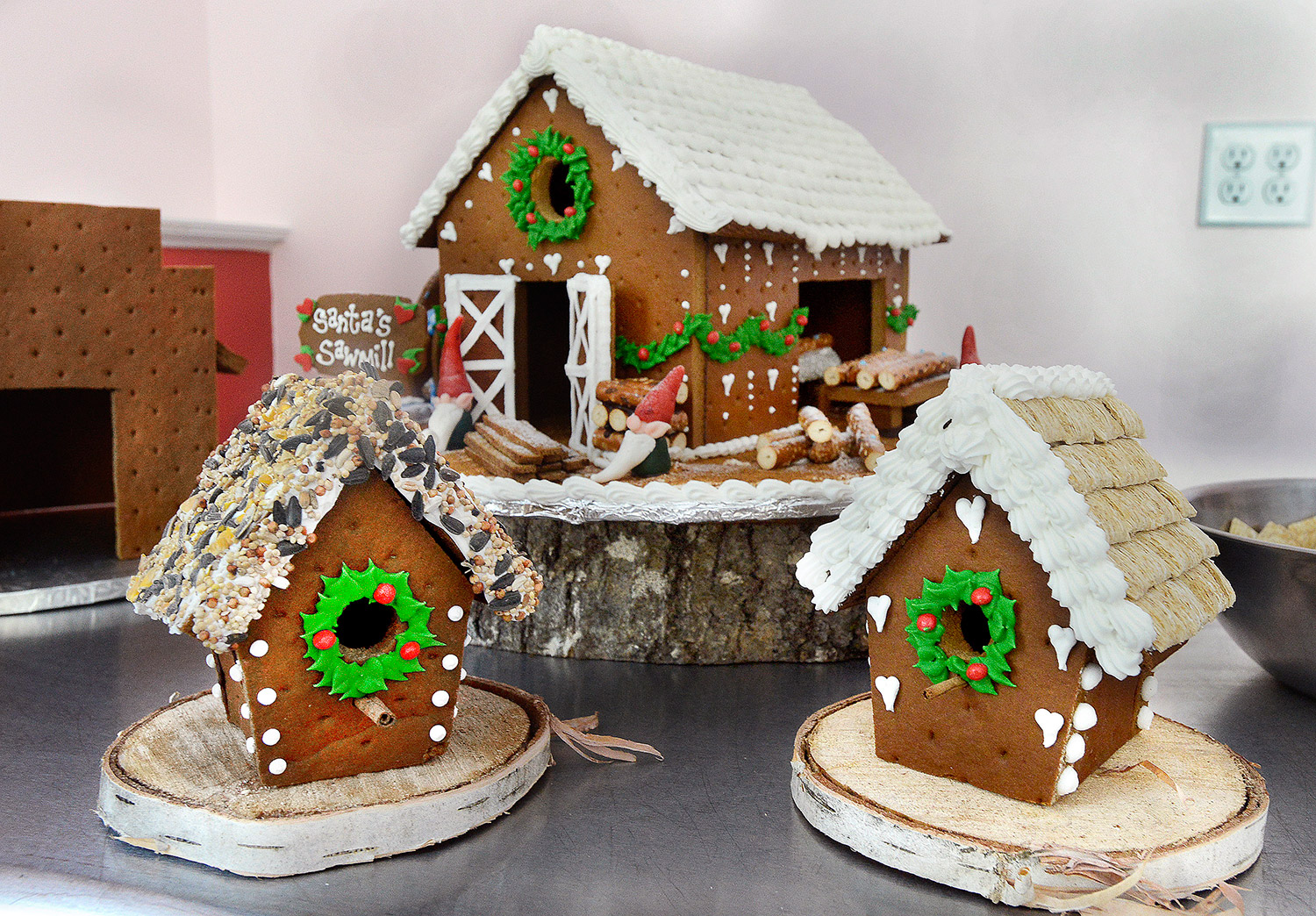 Dan Cake Artist Maine : Lisa Mae Parker s Cakes for All Seasons - The Portland ...