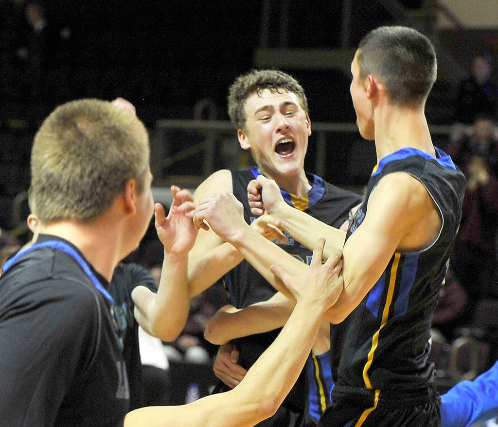 Lake Region Beats Yarmouth In Class B West Semifinals