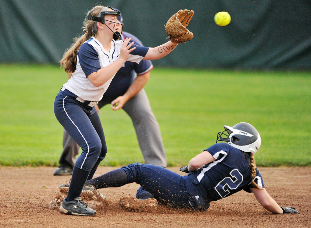 Yarmouth Beats Fryeburg In Western Maine Class B Softball