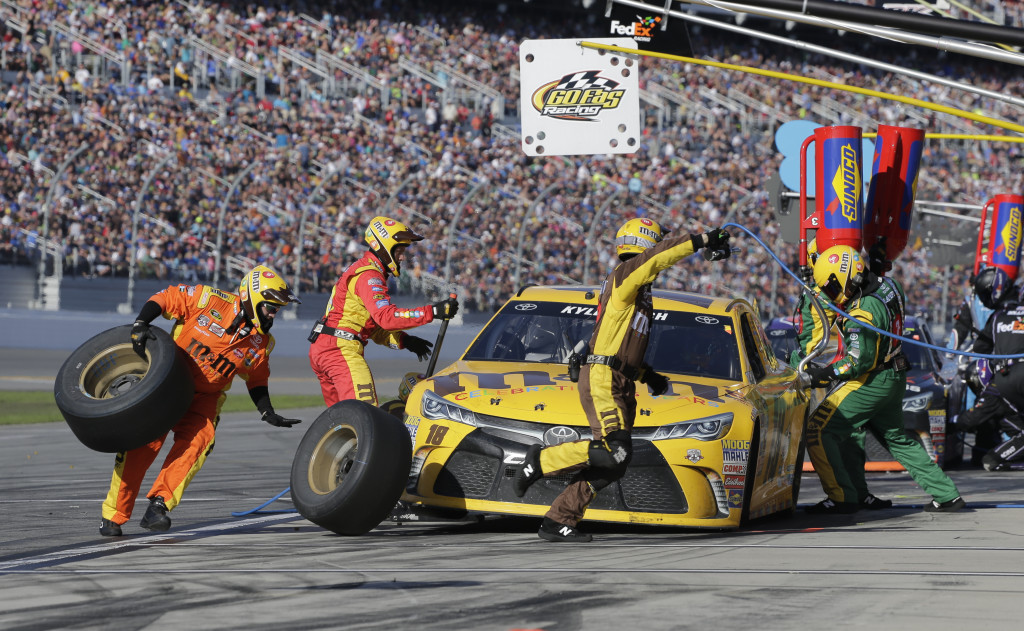 the history of the daytona 500 nascar auto race Daytona 500 history - the history of the daytona 500 is as exciting as the race  itself learn about it, from early races on the beach to the nascar spectacle it is .