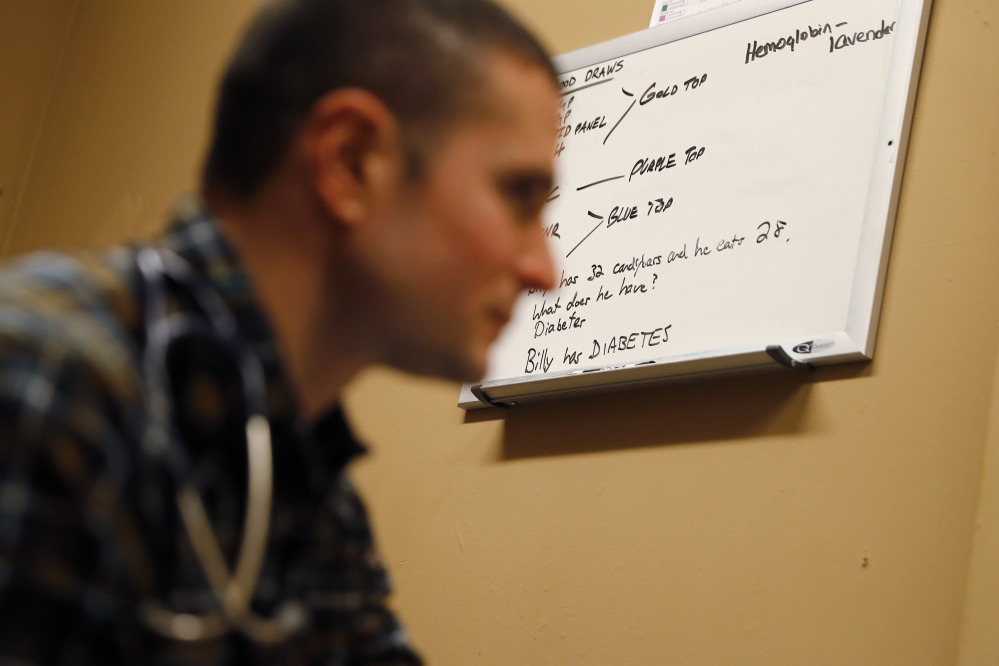 What do Physician Assistants do and how to become one?
