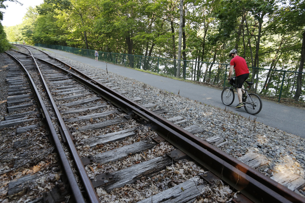 Kennebec rail trail offers retreat in state 39 s capital for Portland maine bike trails