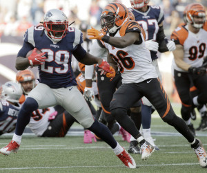 LeGarrette Blount, left, has become an outstanding running back for the New England Patriots. He joined the team after walking away from the Pittsburgh Steelers in 2014.