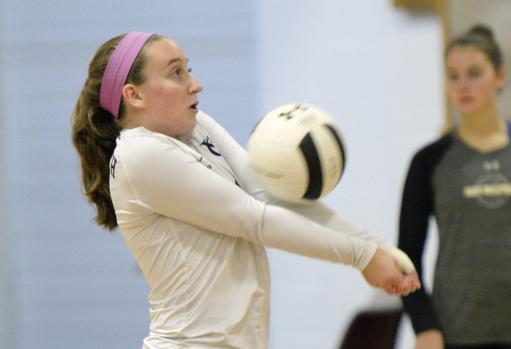 Volleyball: Yarmouth defeats Cape Elizabeth in four games