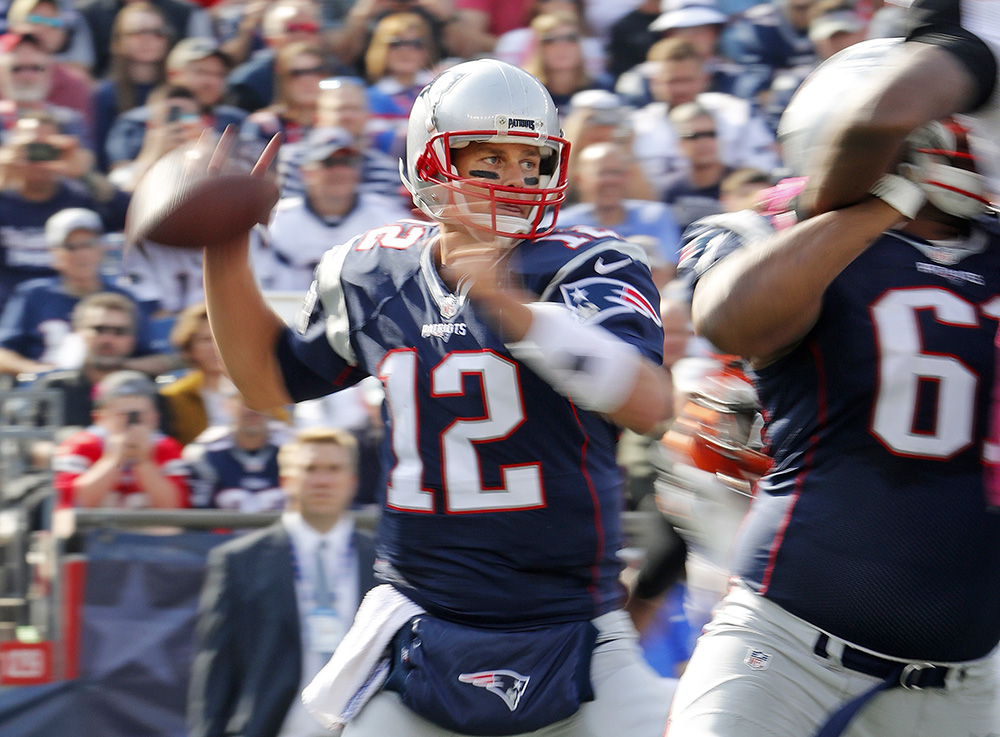 New England Patriots quarterback Tom Brady throws during an NFL football game against the Cincinnati Bengals at Gillette Stadium in Foxborough, Mass. Sunday, oct. 16, 2016. (Winslow Townson/AP Images for Panini)